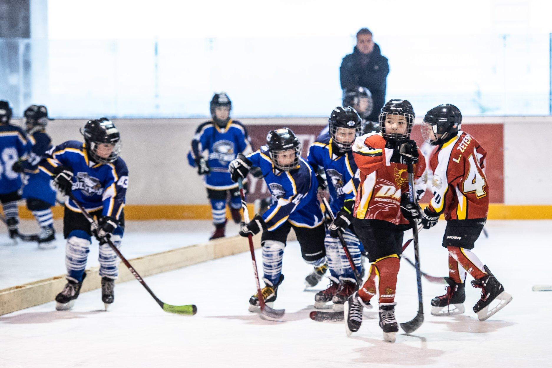 Jégkorong mérkőzések a Nyíregyházi Városi Jégpályán 2020.01.12.  Fotó: Nagy Zsola